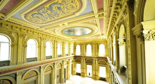 pałac dawnej siedziby Towarzystwa Kredytowego